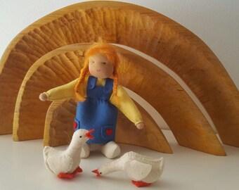 Goose girl - Waldorf inspired - Nature table - Ganzenhoedster met ganzen - Antroposofie  - Seizoentafel