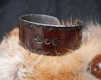 Mahogany leather Bohemian bracelet