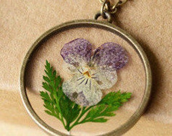 PANSY Dried Flower Encased in Resin, Terrarium Pendant Ln581, Victorian, Botantical, Organic, Rustic, My Garden, Pressed flower, by Lynn