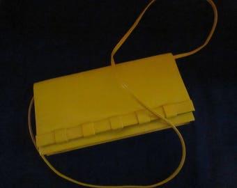 Ladies Vintage Yellow Vinyl and Wood Handbag. Made in Hong Kong.