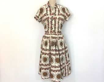 Vintage 1950s medallion print shirtwaist dress - medium