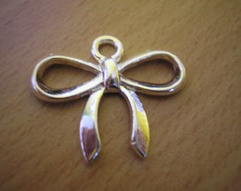 25 mm silver plated bow charm