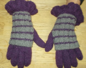 Purple and Grey Gloves in 100% alpaca.