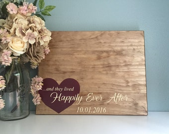 Rustic Wedding Guest Book Alternative / Heart Happily Ever After / Painted Rustic Wedding Decor Guest Sign Wood Guest Book Alternative Heart