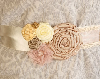 Wedding Dress Belt, Floral Bridal Sash, Vintage Wedding Dress Sash, Womens belt, Flower waistband, Blush wedding accessories. Flower Sash