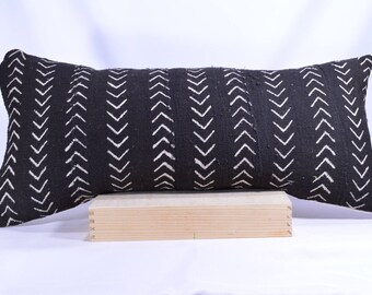 12x26 Lumbar Double-Sided African Mud cloth Pillow Cover; Bogolanfini Decorative Pillow, Black & White Mudcloth Throw Pillow (Mali) -BF1029b