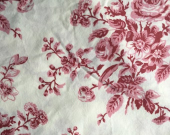 Cotton Vintage Sheet Fabric / Floral Pink Toile / Pink Cream / Cottage Decor Shabby Chic Decor Farmhouse Decor / Quilting Crafting Sewing
