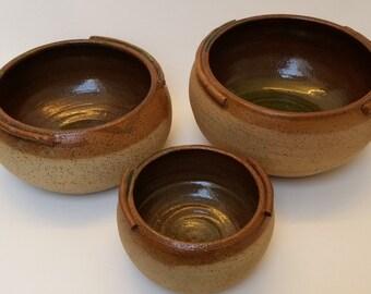 Fait à la main, marron, terre, céramique bols, poterie, Méditerranée, bols, ensemble