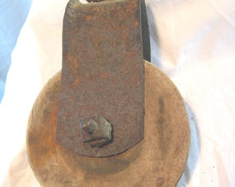 Farm Pulley, Vintage 1920's Iron Pulley, Rustic Pulley, Nautical Pulley, Shabby Chic Pulley