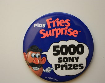 McDonalds Play Fries Surprise  Mr. Potato Head Promotional Pinback fast food restaurant pin contest