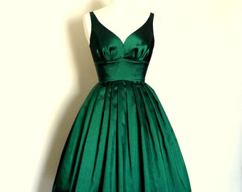 Emerald Green Taffeta Sweetheart Prom Dress  - Made by Dig For Victory