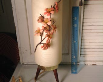 Vintage cylindrical lamp