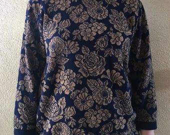 Floral Textured Pullover Blouse