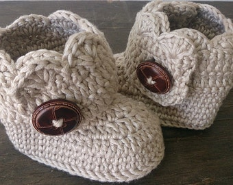 Cuff Boots. Baby Booties for Newborn to 12 months crocheted