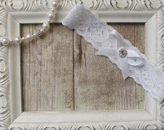 Wedding Garter / Vintage Bridal Garter / Toss Garter / Toss Garter / Lace Garter / Crystal Garter / Personalized Garter / Wedding Dress