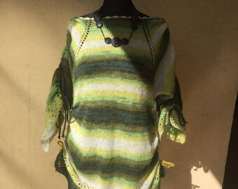 Hand knitted sweater tunic with collar