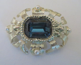Vintage Silvertone Brooch with Navy Blue Glass Rhinestone and Small Faux Pearls