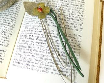 Bookmark flower,desk accessory,handmade metal bookmark,friends/teachers gift idea,metal art sculpture,gift idea for her,handmade object