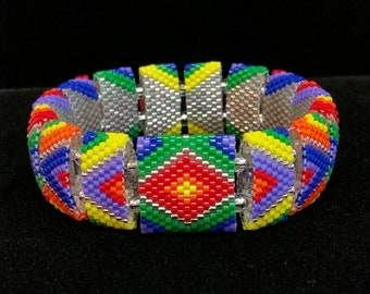 Fiesta Bracelet - stretch bracelet made with carrier beads