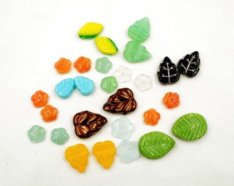 26 Assorted Glass Leaf Beads - 24-40