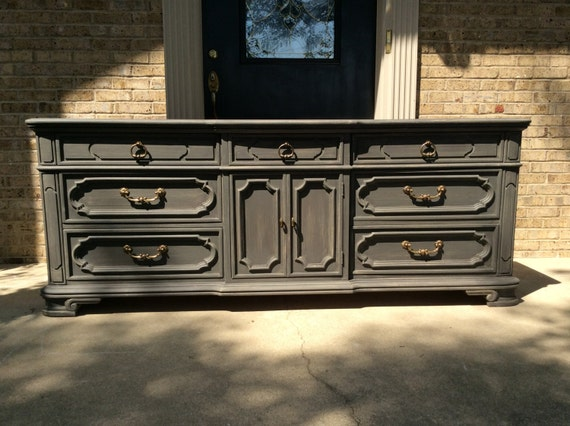 - FREE SHIPPING Classic Vintage Thomasville Triple 9 Drawer