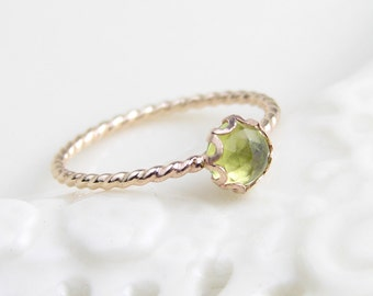 Peridot Ring ~ August Birthday ~ 14K Gold Filled Twisted Ring ~ Gift for Her ~ Rose Cut Natural Peridot Stone ~ Simple Modern Jewelry