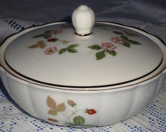 WEDGWOOD Wild Strawberry Dressing Table Box