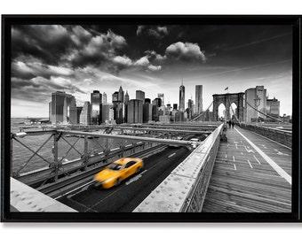 Yellow Cab, New-York City, tirage d'art 50 x 75 cm contrecollé sous verre acrylique et monté en caisse américaine