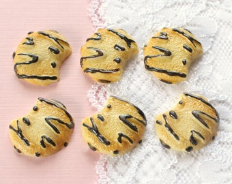 6 Pcs Chocolate Sugar Cookie Cabochons - 23x20mm