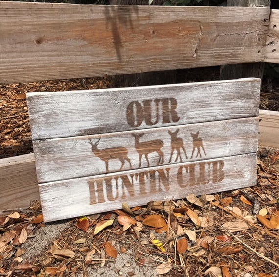 Personalized Rustic Sign, Deer Sign, Family Sign, Hunting Sign, Man Cave Sign, Rustic Name Sign, Rustic Deer Sign, Home Decor, Deer Family