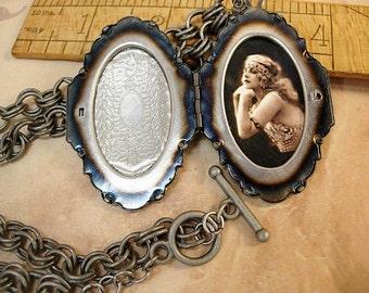 Sacred Dove Deco Locket NEcklace Saint Esprit Espirit dove Gunmetal chain Flapper portrait