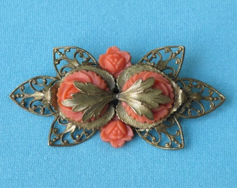 """Brooch Pin Dramatic Vintage 1940s Czech Large Coral Plastic Roses Intricate Brass Ornate Setting Over 3"""" Long"""
