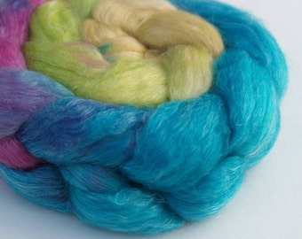 "Superwash Merino-Tencel Top / Roving -  2 oz braid ""His High & Mighty Prince Tiddly-Push"" Gradient"