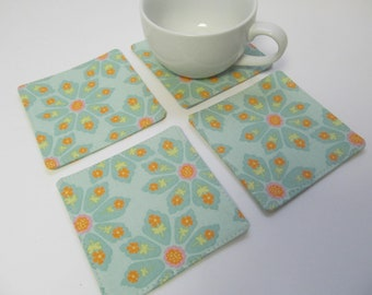 Set Of 4 Fabric Coasters/Green Flower