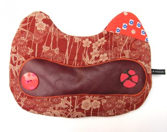 large Pouch Cat n2