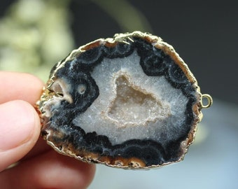 Natural Agate Loops Connector,Raw Druzy Black Agate Slice Bail Connector,Rough Drusy Onyx Geode Slab Pendant,Plated Gold Edged Necklace