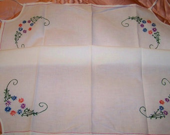 Vintage Hand Embroidered Bridge Table Cloth / Card Table Cover - Cecelia-Marie - 149
