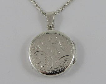 """Sterling Silver Round Locket With A Light 22"""" Chain"""