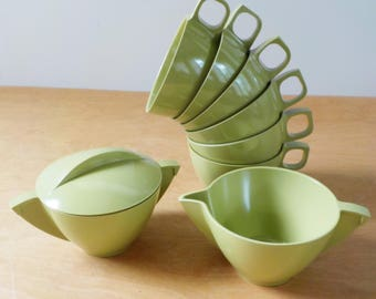 Vintage Melmac Cups Creamer and Sugar • 1970s Mallo Ware Melamine • Vintage Avocado Green 6 Cups Creamer and Sugar