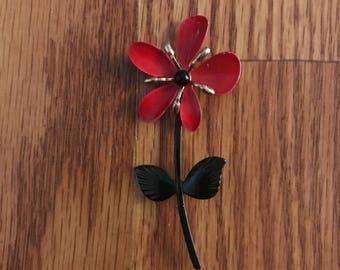 Vintge flower brooch with stem