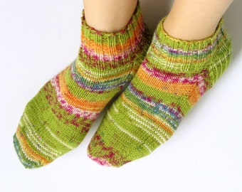 Hand Knitted, Low Cut, Aloe Vera Infused Wool and Polyamide Socks for Women. Size fits 8-9.