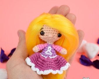 Muñeca mini, muñeca kawaii, muñeca amigurumi, llavero amigurumi, llavero, muñeca, muñeca crochet, muñeca personalizada, muñeca miniatura