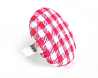 Large red gingham button ring - statement jewelry - spring fabric ring -  picnic ring - birthday gift idea - white plaid tartan check