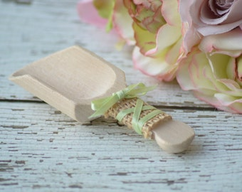 burlap wedding candy scoops, wooden candy bar scoops, shabby chic wedding cottage chic, custom colors