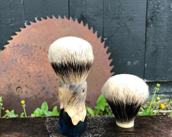 Shaving Brush with Maple hybrid handle and two band finest, Silvertip and Boar.