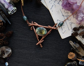 Copper necklace with real tree branches, Labradorite and Moss Agate beads, Witch amulet, Witchy Jewerly, Triangle pendant, Unusial Necklace