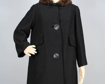Vintage 1960's  Black wool coat with mink collar // Dan Millstein // Medium