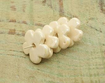 ceramic beads x 4 off-white flower shape