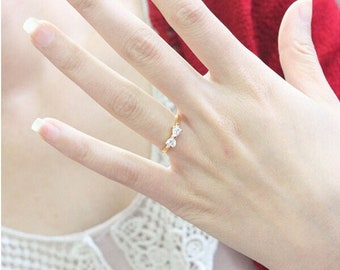 Delicate Crystal Bow Tie Ring - Minimalist - Cubic Zirconia - Yellow Gold #ST02
