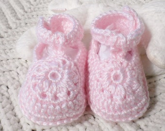 Crocheted Maryjanes Newborn 0 3 mo Pink Flower Motif  Vintage